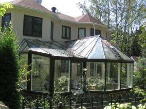 Зимний сад в качестве пристройки к коттеджу