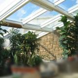 Фото зимнего сада смонтированного на крыше коттеджа