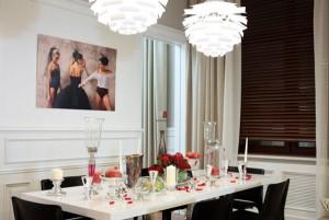 Размещение источников света над обеденным столом в кухне