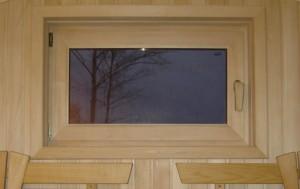 Окно из древесины липы для бани или сауны