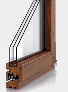 Окно из древесины меранти