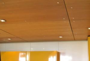 Технологические зазоры между листами фанеры при отделке потолка