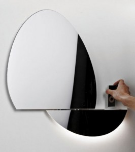 supermodern-mirror-with-iphone-ipod-docking-station-1-554x623-1