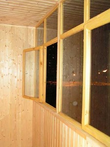 Остекление балкона с рамами