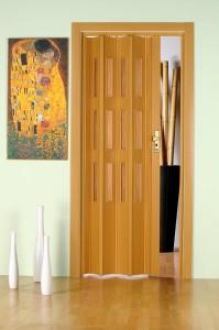 Установка межкомнатной двери-гармошки своими руками