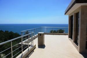 вид-с-балкона-на-море