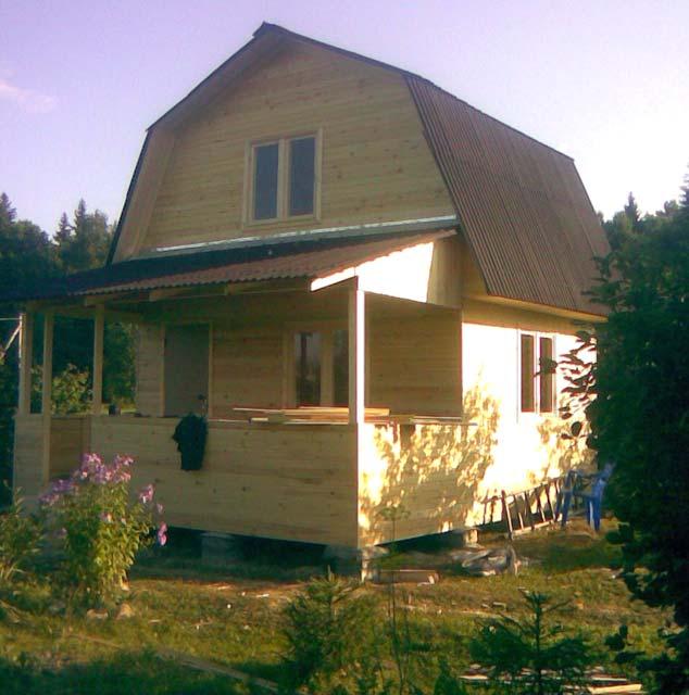 Дачный домик с мансардой