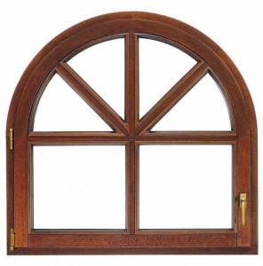 Деревянное окно округлой формы