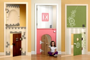 дверь в детской комнате