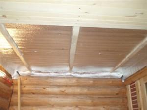 Подшивной потолок в комнате с повышеным уровнем влажности