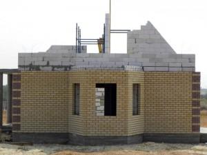 одноповерховий будинок з газобетону