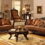 Фото: Гостиная обставленная мебелью из натурального дерева