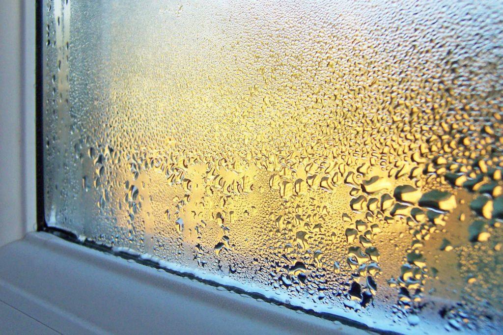 «Зимний» режим пластиковых окон – почему его стоит избегать