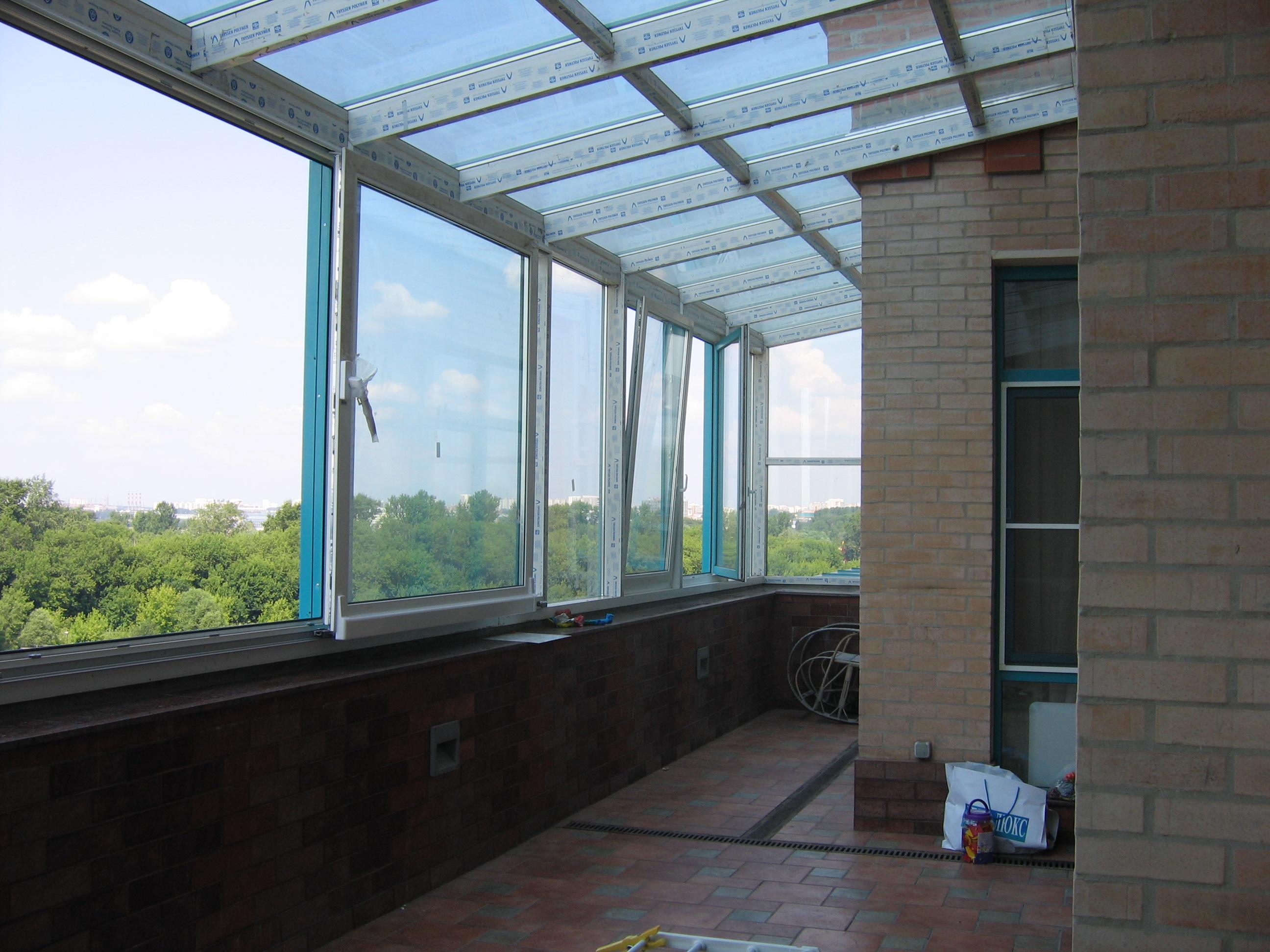 Выбор способа остекления балкона