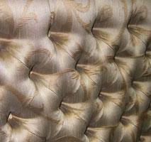 Преимущества отделки стен тканью