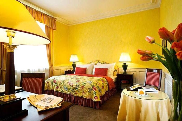 7 советов по дизайну интерьера маленькой спальни