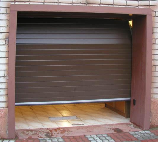 Секционные ворота для гаража: преимущества и выбор