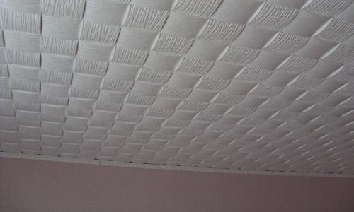 Особенности работ при самостоятельной отделке потолка пенополистирольной плиткой