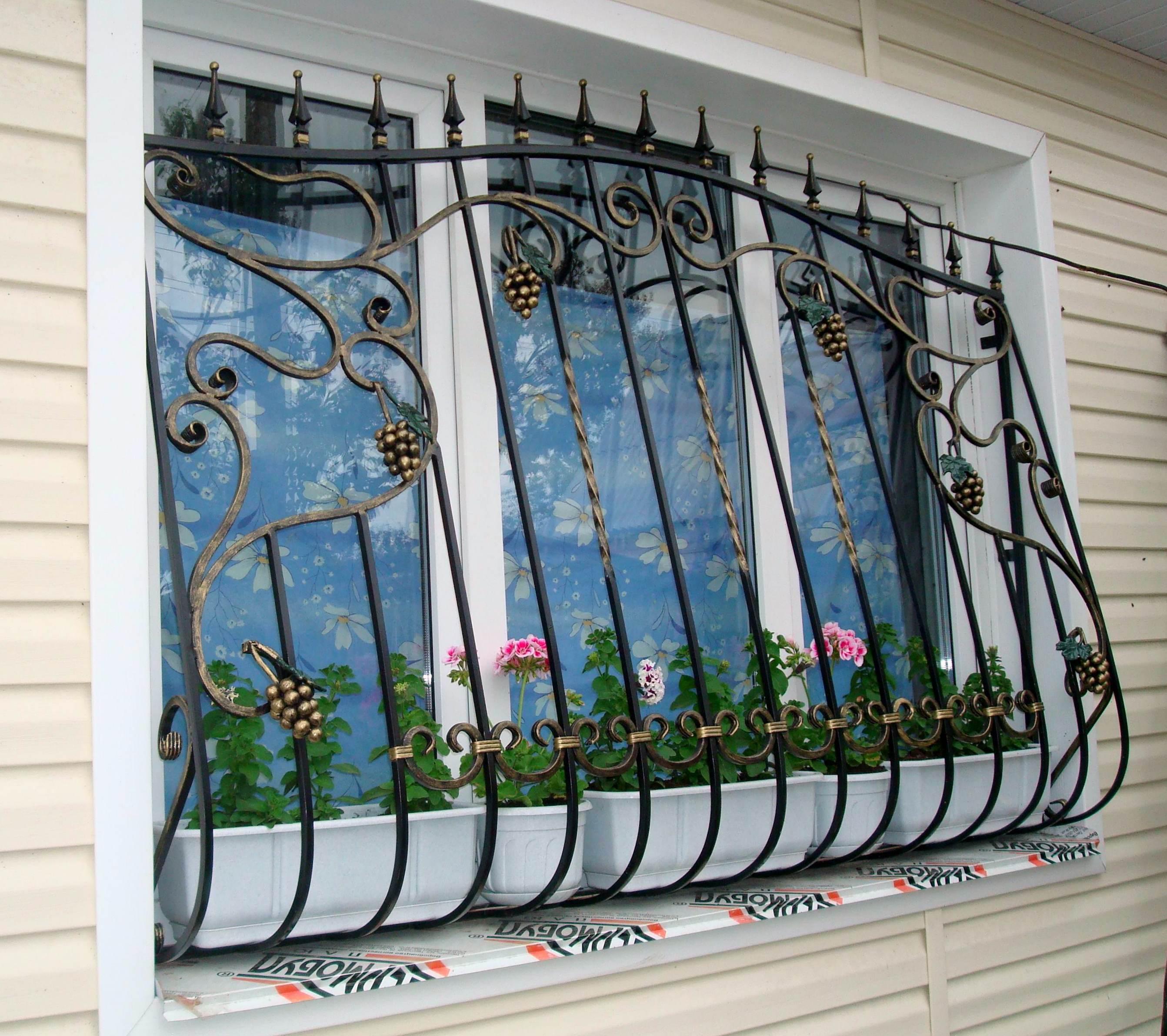 Решетки на окна: основы выбора и монтажа