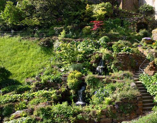 Каменистый сад или рокарий на даче