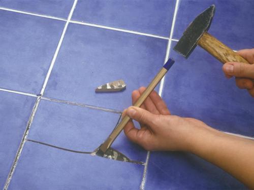 Как заменить треснувшую плитку?
