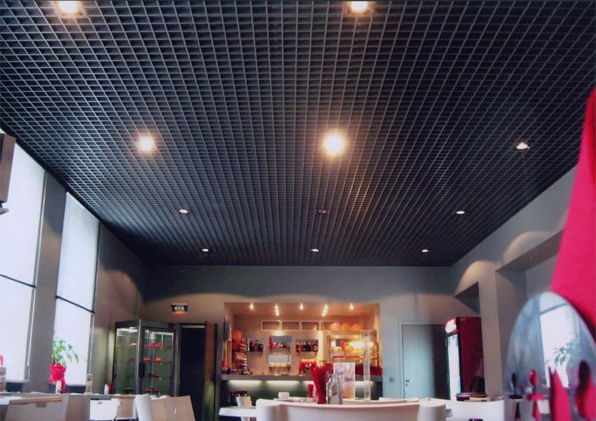 Потолок Грильято: преимущества и особенности