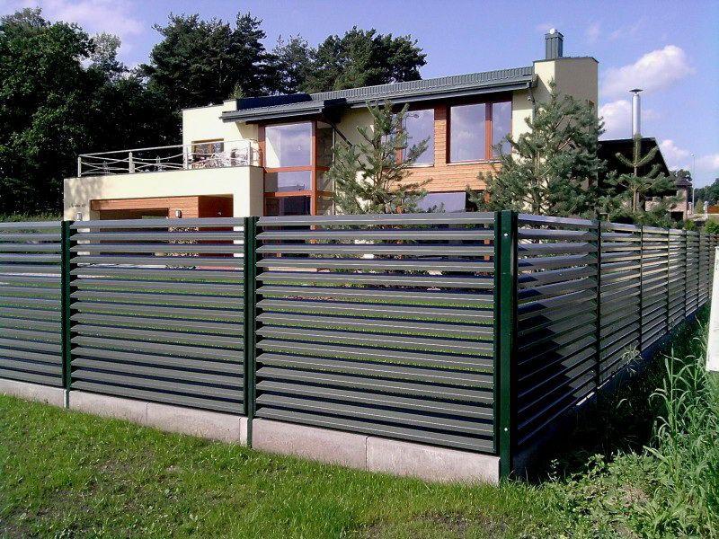 Забор-жалюзи: особенности и сферы применения