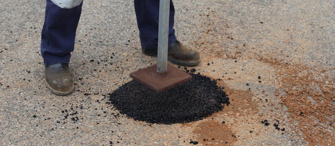 Как отремонтировать асфальт? Способы ремонта асфальтного покрытия
