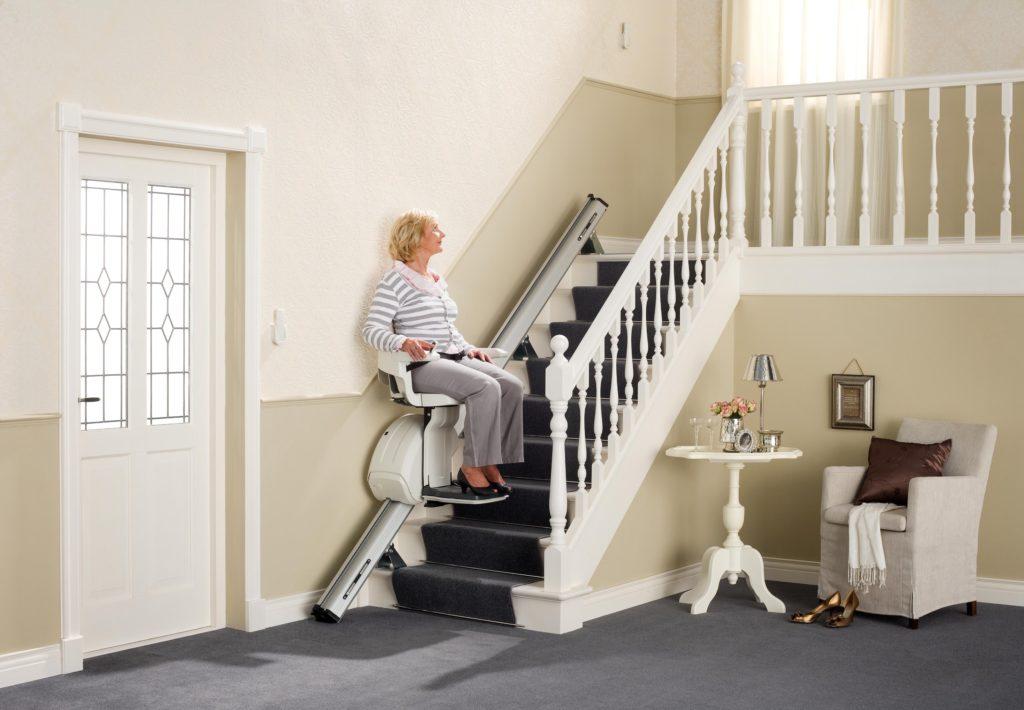 6 советов по выбору лестничного подъёмника для инвалидов